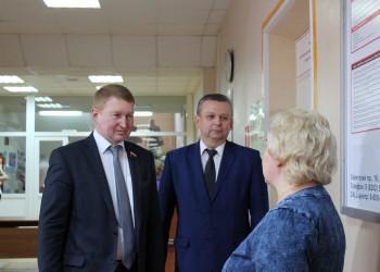 Осмотр избирательного участка перед выборами Президента РФ